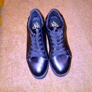 YRU Shoes - YRY LaLa Black Platform Sneakers